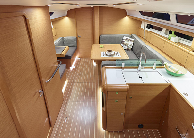 CheckSailing Economy Yacht - Saloon